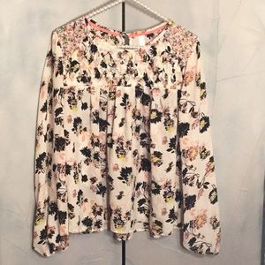 Xhilaration size small spring top
